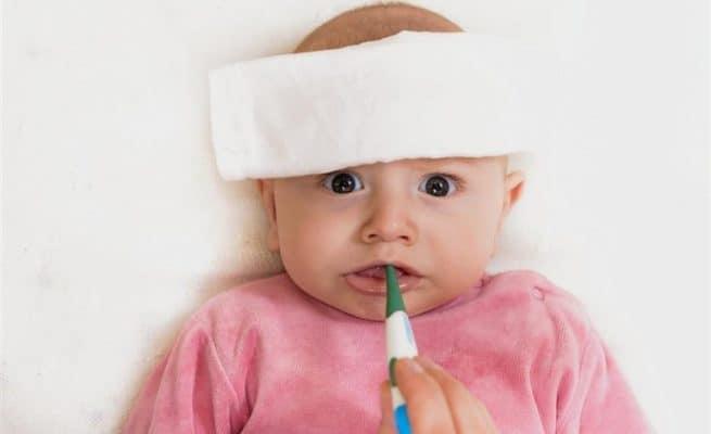 triệu chứng trẻ bị sốt