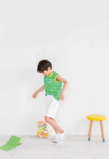 Áo thun mix cùng quần short kaki