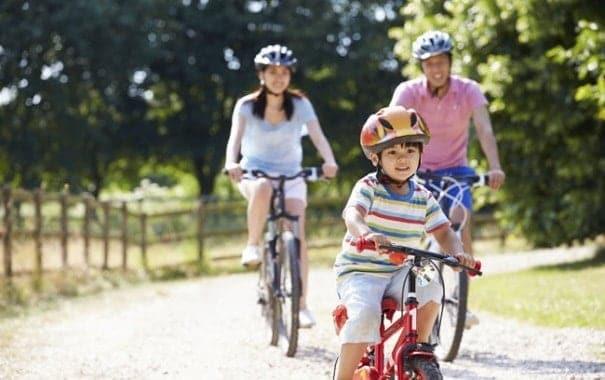 Cách tập xe đạp cho bé